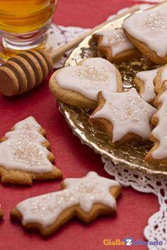 I #BISCOTTI AL MIELE sono dolcetti natalizi decorati che daranno un tocco di…