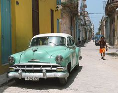 A destination guide of unique places to visit for the world traveler. Alleyway, Cuba Travel, Havana Cuba, World Traveler, The Past, Places To Visit, The Incredibles, City, Destinations