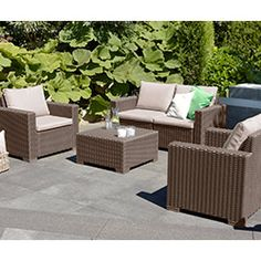 Salon de jardin bas 5 places canapé d\'angle + table basse en ...