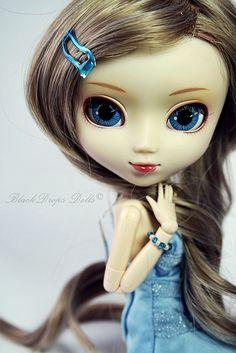 Blue eyed beauty. by S h a k t i ✿, via Flickr