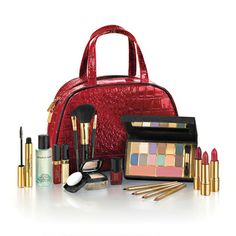 Elizabeth Arden Gift Set. Exclusive to The Loop. Click and Collect now for just 45.95.