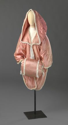 omgthatdress: Cloak and Muff 1780-1810 Nasjonalmuseet for Kunst, Arketkektur og Design