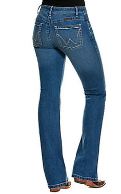 Wrangler Women's Willow Ultimate Riding Jean Light Wash Mid Rise Boot Cut Jeans   Cavender's Jeans And Boots, Women's Jeans, Cut Jeans, Classic Outfits For Women, Country Wear, Baby Jeans, Wrangler Jeans, Amazing Women, Clothes For Women