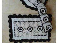 Tapetes-de-crochê-preto-e-branco-para-banheiro-com-gráficos