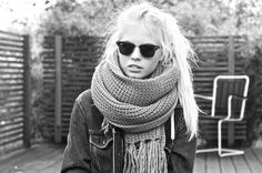 i want this outfit. oversized scarf and jean jacket paired with some ray bans. :)