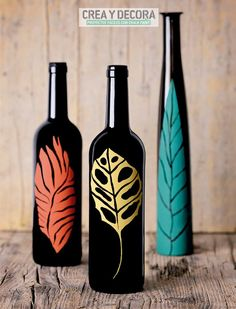 1 million+ Stunning Free Images to Use Anywhere Beer Bottle Crafts, Plastic Bottle Crafts, Wine Bottle Art, Diy Bottle, Painted Glass Bottles, Wine Bottle Centerpieces, Pottery Painting Designs, Fleurs Diy, Bottle Painting