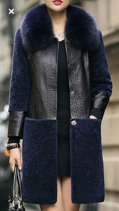 Use the black jacket, and add the blue jacquard from london to the bottom. Use la chaqueta negra y agregue el jacquard azul de Londres en la parte inferior. Fashion Mode, Fur Fashion, Hijab Fashion, Love Fashion, Winter Fashion, Fashion Dresses, Womens Fashion, Fashion Design, Fashion Trends