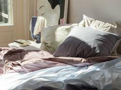 Bittersweet bedeutet... Aufwachen müssen, aufstehen müssen und sich dabei schon darauf zu freuen, nach einem langen Tag wieder zurück ins Bett zu kommen  Bitter sweet is... having to wake up and get out of bed, but looking forward to coming back after a long day #cf #christianfischbacher #bettwäsche #bedding