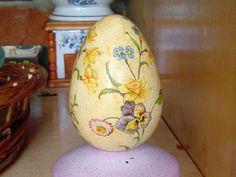 http://www.cafeart.pl/hand-made/decoupage/diy-decoupage/211-pisanka-wielkanocna-decoupage