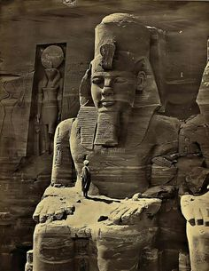 19 Fascinating Photos Collected From History – Man standing on lap of colossal figure of Ramses, 1856 Cowboys drinking at a saloon in Tascosa, Texas 1907 Cowboys sit around Bob Leavi… Ancient Egyptian Art, Ancient History, Egypt Museum, Old Egypt, Ancient Civilizations, Old Pictures, Archaeology, Amazing, Temples