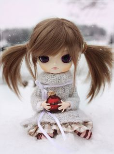 So cute is this a Blythe? Tiny Dolls, Ooak Dolls, Blythe Dolls, Barbie Dolls, Pretty Dolls, Cute Dolls, Beautiful Dolls, Mery Crismas, Kawaii Doll