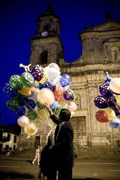 I miss you Bogota Beautiful Places To Visit, Places To See, Colombian People, Columbia South America, Destinations, Visit Mexico, Travel Inspiration, Cool Pictures, Balloons