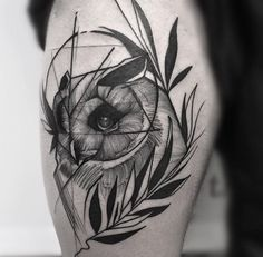 Owl tattoo on thigh by Frank Carrilho