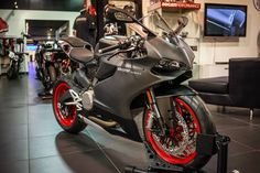 Custom 2014 Ducati 899 Panigale - Graphite Grey
