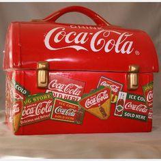 Coca Cola Cookie Jar designed as a Workman's Lunch Box Coca Cola Decor, Coca Cola Ad, Always Coca Cola, World Of Coca Cola, K Store, Coca Cola Kitchen, Cocoa Cola, Vintage Lunch Boxes, Vintage Coke