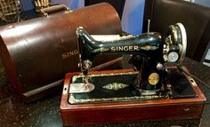 Vintage Portable Singer Sewing Machine in Bent Wood Case B U 7 A | eBay