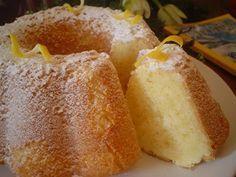 LİMONLU KEK TARİFİ Delicious Desserts, Dessert Recipes, Yummy Food, Empanadas, Cake Recipes For Beginners, Pasta Cake, Recipe Mix, Pudding Cake, Turkish Recipes
