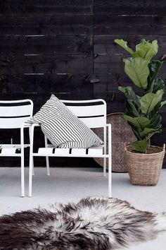 Time to relax with the ROXÖ lounge chairs, from IKEA