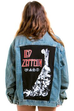 ItemVintage Renewed Led Zeppelin Levi's Jacket DetailsVintage Levi's denim jacket with Led Zeppelin back patch! Sizing Our model Taylar is. Painted Denim Jacket, Painted Jeans, Painted Clothes, Jean Jacket Outfits, Levi Denim Jacket, Patch Jean Jacket, Warm Outfits, Casual Outfits, Look Cool
