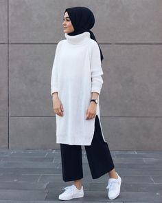 Hijabi_bj beautiful outfit from lamelif giyim fol beautiful fol giyim hijab source by dresses for teens hijab dijin ova ovadijo fotoraflar ve videolar Modern Hijab Fashion, Street Hijab Fashion, Hijab Fashion Inspiration, Islamic Fashion, Abaya Fashion, Muslim Fashion, Modest Fashion, Dubai Fashion, Fashion Muslimah