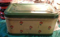 Vintage Bread Boxes, Vintage Tins, Grandma Cookies, Cookie Box, Bread N Butter, Green Cream, Pantry, Wicker, Aqua