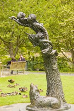 Learning-to-Fly by Cecil Thomas - Peter Pan and Wendy with Nana the Newfoundland at their feet Peter Pan, Dunedin New Zealand, New Zealand South Island, The Beautiful Country, Travel Pictures, Travel Pics, Botanical Gardens, Street Art, Animals