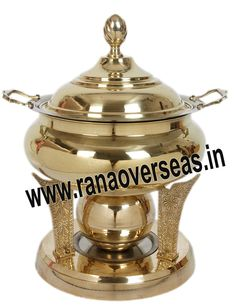Brass Chafing Dish Brass Chafing Dishes are also ideal gift items. An extensive range of our Brass Chafing Dishes includes superior quality Decorative Brass Chafing Dishes that are fabricated from supreme quality metals. Our entire range of these Brass Chafing Dishes is praised by our clientele for its longevity, high durability, and modern designs. Available Sizes :- 4 Litres, 6 Litres and 8 Litres. Applications :- Hotels , Restaurants, Caterers, Inns, Parties, Banquet Halls, Eating Outlets