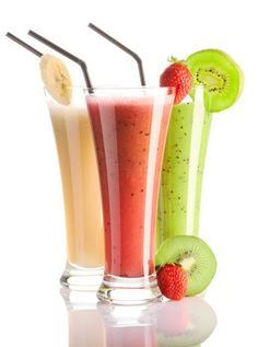Protein Smoothies- the kiwi and the strawberry ones are the best Smoothie Proteine, Protein Smoothies, Easy Smoothies, Fruit Smoothies, Smoothie Recipes, Homemade Smoothies, Ginger Smoothie, Juice Recipes, Detox Recipes