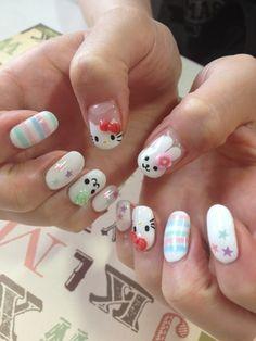 Hello Kitty and Sanrio Character Nail Art