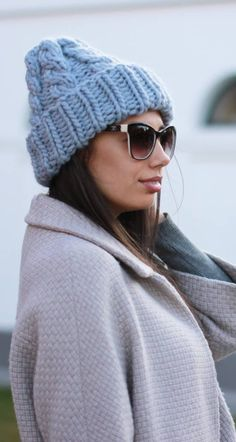 Knitted hat - A Stylish Element Of The Wardrobe İn The Cold Season New 2019 - Page 41 of 50 - apronbasket . Knitting Patterns Free, Free Pattern, Knitted Hats, Crochet Hats, Hats For Women, Winter Hats, Stylish, Fashion, Tricot