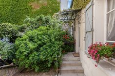 A charming family home on the outskirts of #Paris