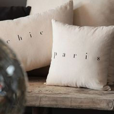 """Coussin en lin """"Paris"""" Florence BOUVIER"""