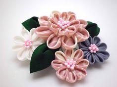 Tsumami Kanzashi Hair Comb/ Pink White Lavender by JagataraArt