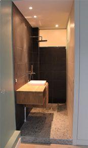 R novation d une salle de bain troite garage for Salle de bain dans un couloir