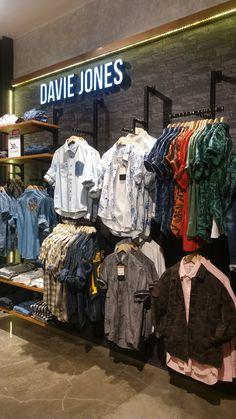 Boutique Interior, Clothing Store Interior, Clothing Store Displays, Clothing Store Design, Boutique Clothing, Fashion Store Design, Shoe Store Design, Retail Store Design, Retail Stores
