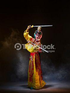 Foto de stock : Chinese opera character with knives (Yu Ji)
