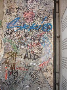 Berlim, Checkpoint Charlie, um pedaço do muro, Agosto 2007