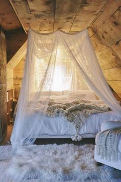 41 Glamorous Canopy Beds Ideas For Romantic Bedroom - Home Sweet Home - Bedroom Dream Bedroom, Home Bedroom, Bedroom Romantic, Master Bedroom, Attic Bedroom Decor, Magical Bedroom, Shabby Bedroom, Warm Bedroom, Bedroom Boys