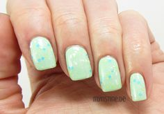 Easy Green Nails mit 4 Ever Young (ESSENCE, The Gel Nail Polish)