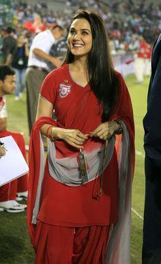 "24 Hot Photos Of Dimple Girl ""Preity Zinta"" Indian Bollywood, Bollywood Fashion, Bollywood News, Hindi Actress, Bollywood Actress, Hottest Models, Hottest Photos, Ranveer Singh Hairstyle, Pretty Zinta"