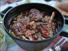 Padallinen lampaanpotkaa ©Hanna Stolt Koti, Pot Roast, Food And Drink, Beef, Ethnic Recipes, Easy, Carne Asada, Meat, Roast Beef