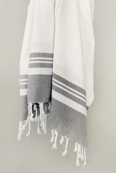 Velvety soft against your body, these large Peshtemal/Fouta towels are flat towels in the style of the legendary hammam bath towels of Turkey. Spa Towels, Linen Towels, Guest Towels, Bathroom Towels, Hand Towels, Master Bathroom, Turkish Bath Towels, Turkish Cotton Towels, Turkish Tea