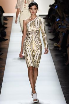 See all the Collection photos from Herve Leger By Max Azria Spring/Summer 2016 Ready-To-Wear now on British Vogue Catwalk Fashion, Vogue Fashion, Fashion Week, High Fashion, Vogue Uk, Fashion Spring, Daily Fashion, Street Fashion, Max Azria