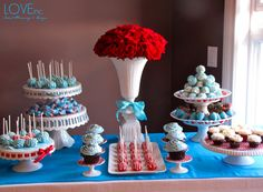Red and blue wedding colors even for dessert. Aqua Red Wedding, Aqua Wedding Colors, Blue Table Settings, Blue Desserts, Dr Seuss Baby Shower, Colorful Cakes, Cute Cakes, Wedding Ideas, Wedding Fun