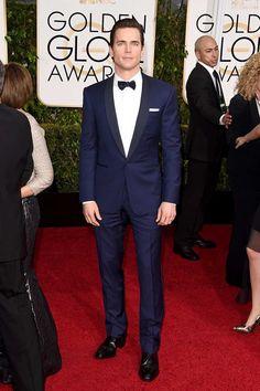 Matt Bomer apareció sobre la alfombra roja, con un perfecto esmoquin de Ralph Lauren, y las fans situadas en la entrada del Beverly Hilton gritaron hasta enmudecer.