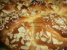 ΠΛΑΘΩ ΖΥΜΑΡΑΚΙΑ ΜΕ ΤΑ ΔΥΟ ΧΕΡΑΚΙΑ ..: ΠΑΣΧΑΛΙΝΟ ΤΣΟΥΡΕΚΙ ΜΕ ΚΕΦΙΡ Bagel, Bread, Food, Brot, Essen, Baking, Meals, Breads, Buns