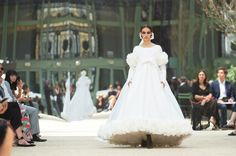 Chanel Couture Wedding Gowns, Wedding Dresses, Girls Dresses, Flower Girl Dresses, Chanel, Fashion Week, Marie, Dress, Veils