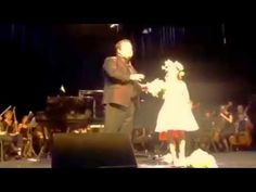 "Amira Willighagen - ""Ave Maria"" - Duet with Paul Potts - YouTube"