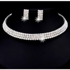Zirconia Jewelry Set   http://jewelryvo.com/white-cubic-zirconia-jewelry-set.html