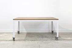 33 Enjoyable Ideas Table With Wheels 10 Easy Pieces Dining Tables On Remodelista The Farmhouse Modern From Chadhaus Furniture Is 2 700 Shown In Oak Whitewash And White Ikea Argos Uk - Home Design Upcycled Furniture, Modern Furniture, Outdoor Furniture, Coffee Table With Wheels, Rolling Table, Kitchen Corner, Modern Table, Table Legs, Diy Table